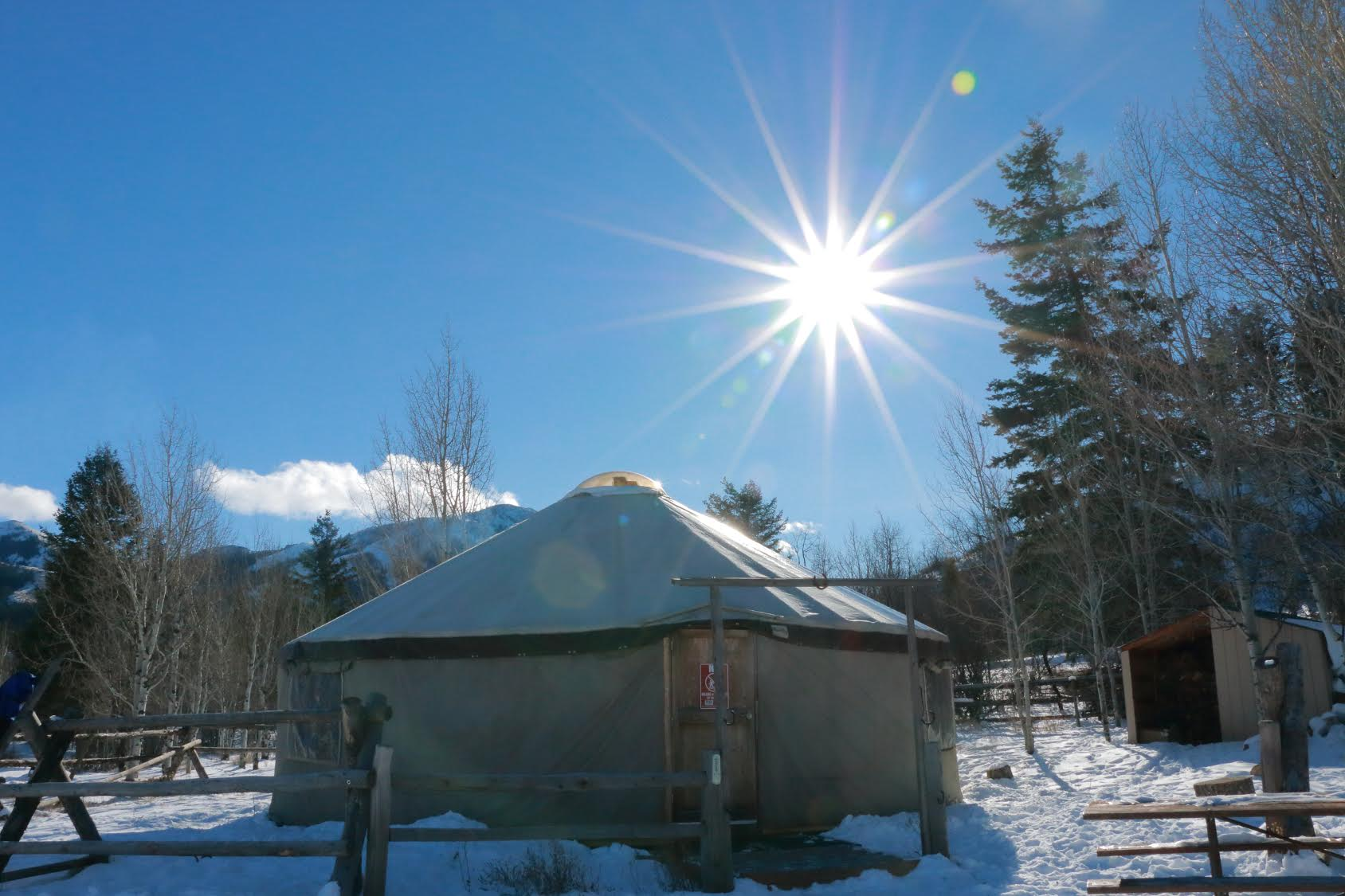 Yurt (Sunshine)
